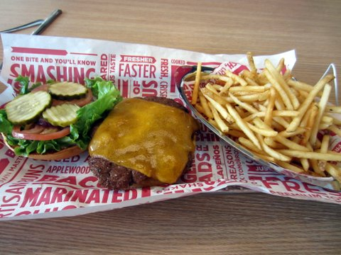 Smashburger Austin Lakeline cheeseburger